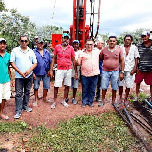 Nonato Alencar entrega mais um poço em comunidade de Francisco Macedo