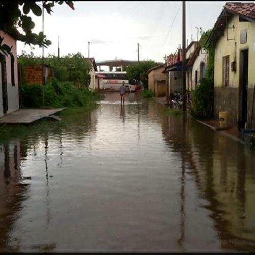 Alagamentos: Piauí tem 237 famílias em abrigos; Saúde prepara vacinação