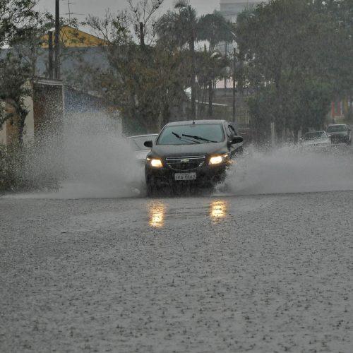INMET emite alerta de perigo de acúmulo de chuvas em várias cidades do Piauí; veja quais