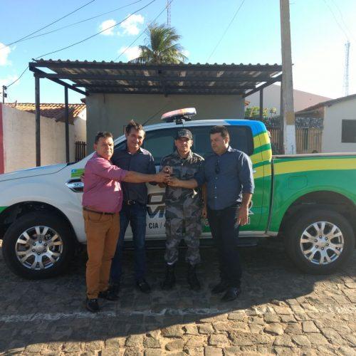 Polícia Militar de Geminiano recebe nova viatura e reforça frota de veículos
