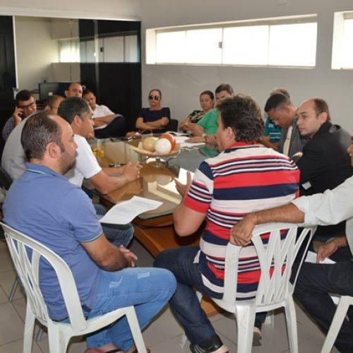 PICOS   Câmara não se entende e novo projeto da taxa de iluminação emperra nas comissões