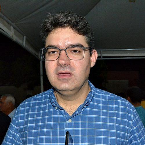 Coligação de Luciano ajuíza cinco ações contra o governador
