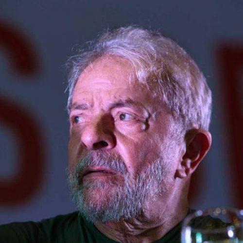 Família faz primeira visita a Lula na sede da PF