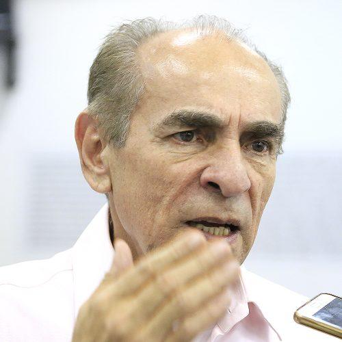 'Nossa vaga é de vice e o nome é Themístocles', diz Marcelo Castro