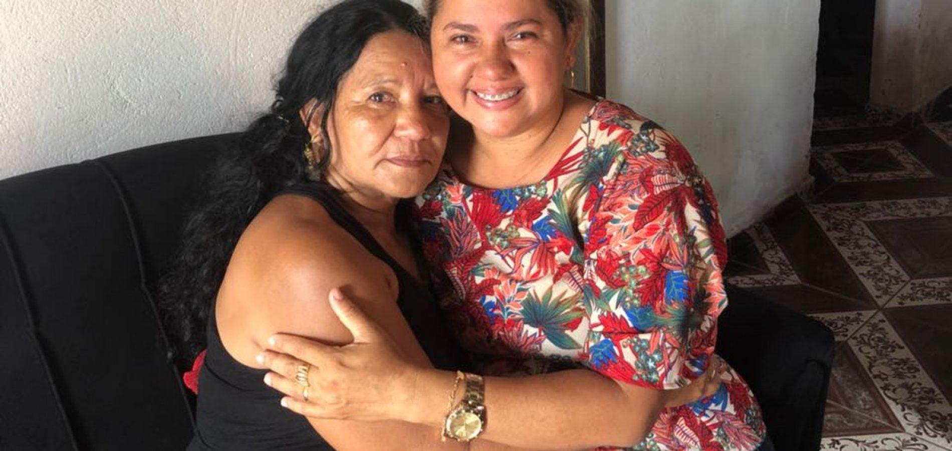 Mãe e filha se reencontram no PI após quase 40 anos morando na mesma cidade