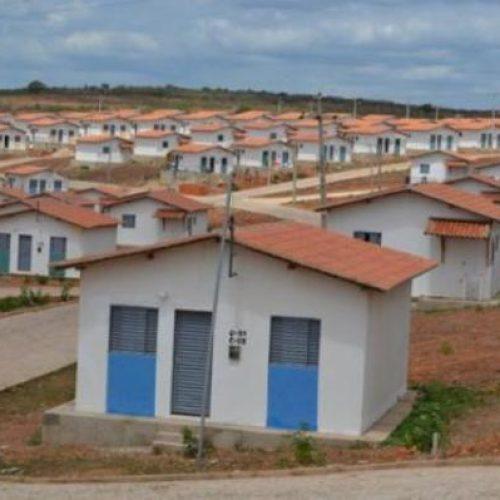 Ordem Judicial determina retirada de famílias que invadiram residencial em Picos
