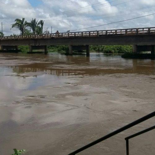 Alerta! Nível de rio em Barras continua aumentando após desvio da Barragem do Bezerro