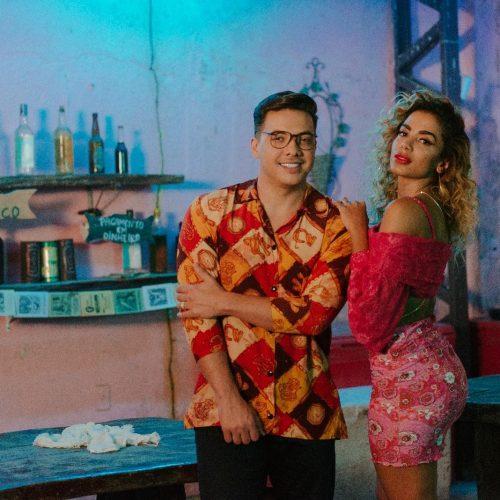 Anitta e Wesley Safadão lançam nova parceria 'Romance com safadeza'
