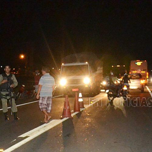 Acidente entre caminhão e motocicleta deixa vítima fatal na BR 407 em Paulistana
