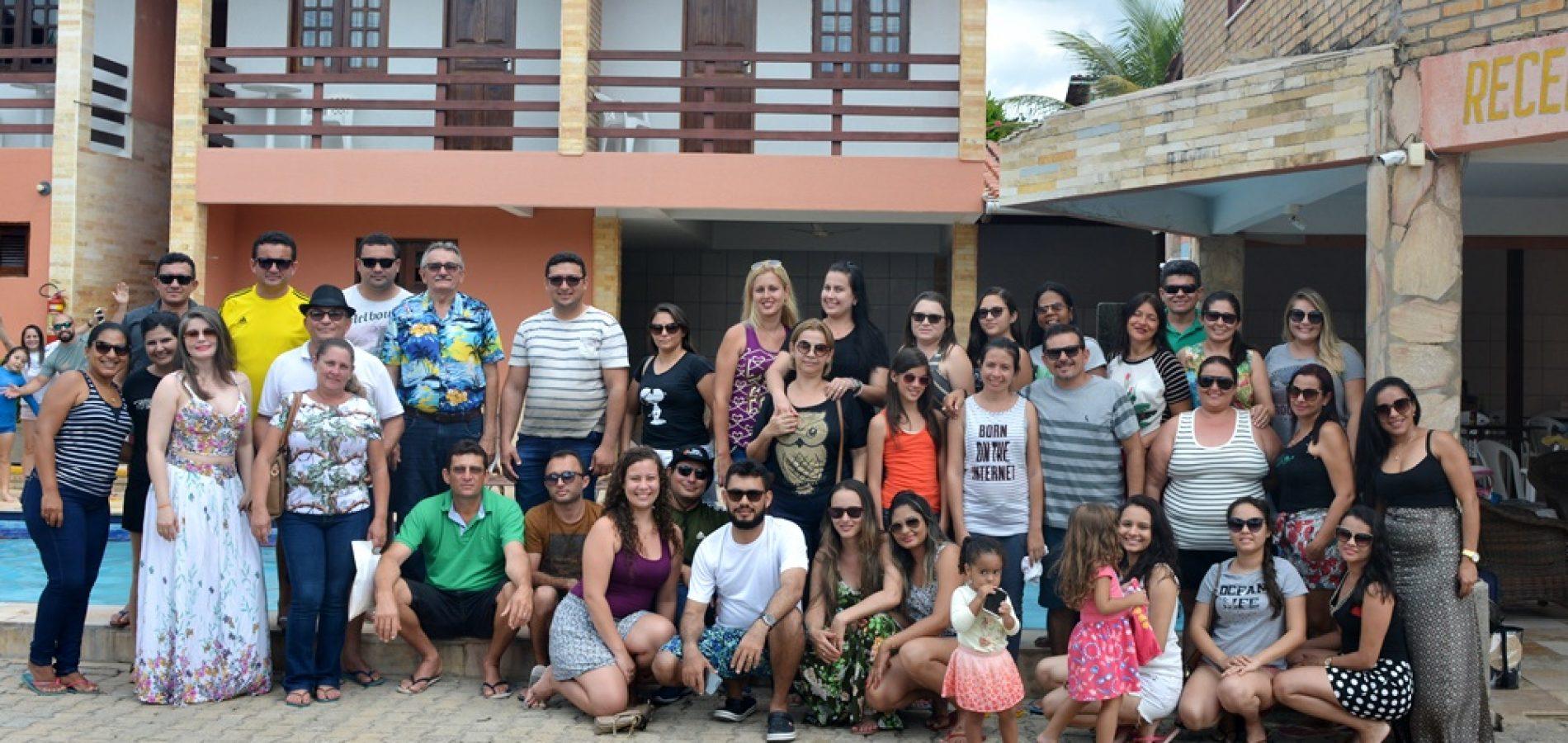 Prefeitura de Vila Nova realiza viagem ao litoral cearense com servidores da Saúde