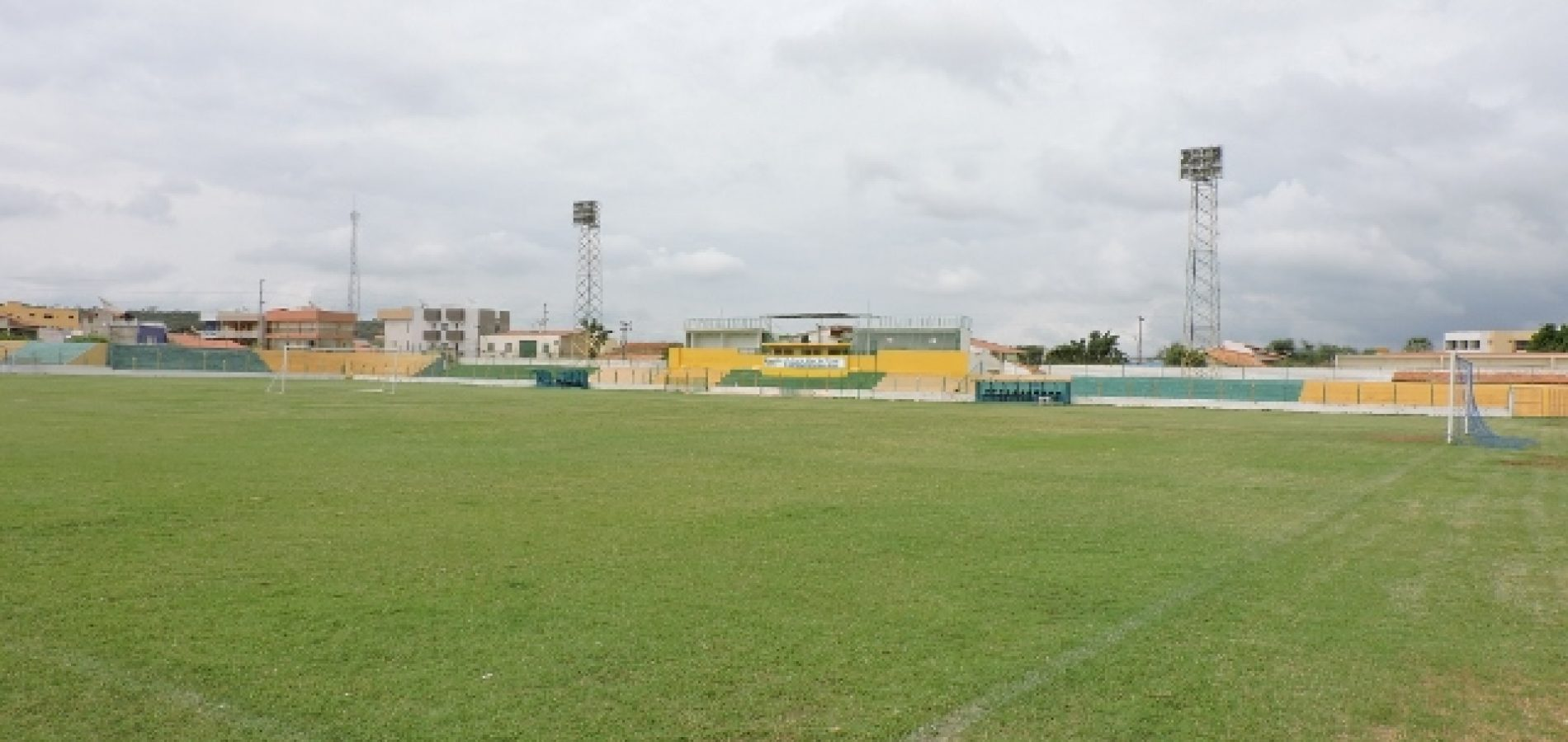 PICOS | Estádio Helvídio Nunes passará por vistoria para receber jogos do Piauiense
