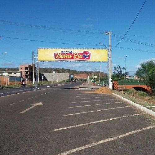 Comerciantes resistem a retirada de trailers das praças de Picos