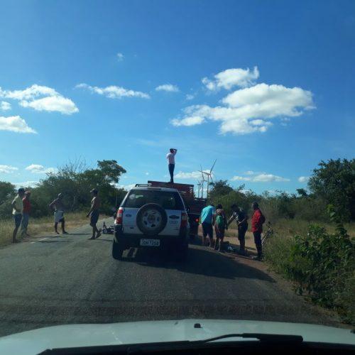 Motociclista fica ferido após acidente envolvendo três veículos na estrada de Simões