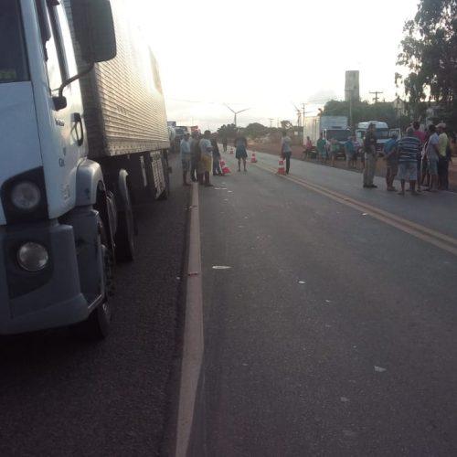 Protesto de caminhoneiros na BR-316, em Marcolândia ganha apoio de sindicatos de trabalhadores rurais