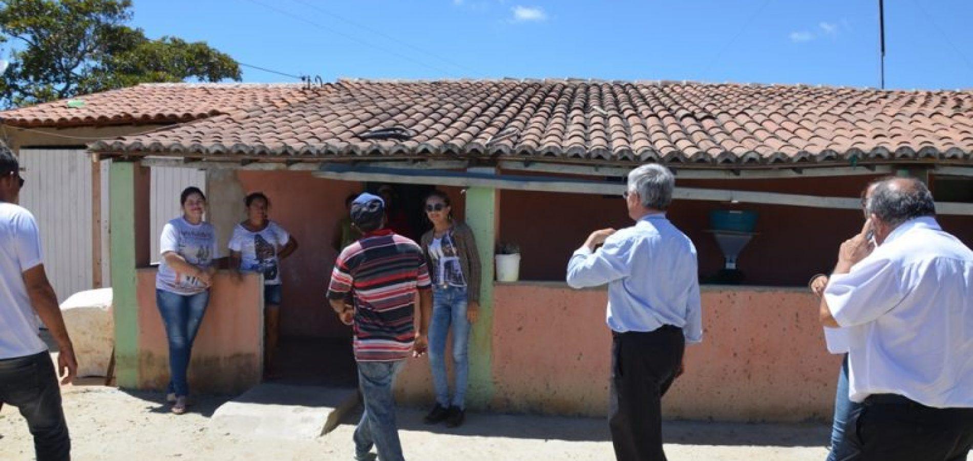 Bispos visitam famílias que vivem em torno de Parque Eólico na comunidade Serra do Inácio