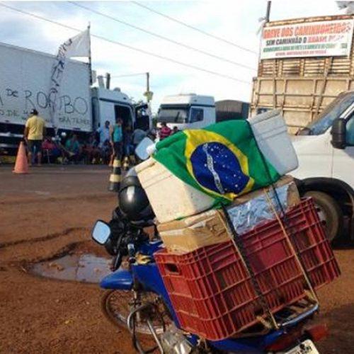 Comerciante manifesta apoio à greve e distribui lanches para caminhoneiros em Picos