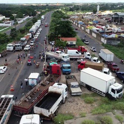Piauí registra quatro BRs com bloqueios para caminhões no nono dia de greve