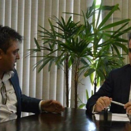 Com emenda do senador Ciro, prefeito Márcio adquire nova ambulância a serviço da saúde de Alegrete do Piauí