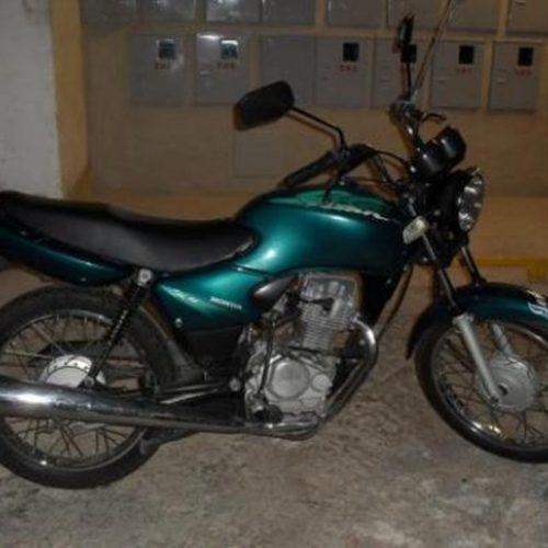 Dupla de menores é flagrada com motocicleta roubada no Parque de Exposição em Picos
