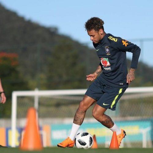 Seleção realiza último treino na Granja e deixa Teresópolis