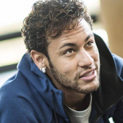 Com salário milionário, Neymar foi aprovado para receber auxílio de R$ 600