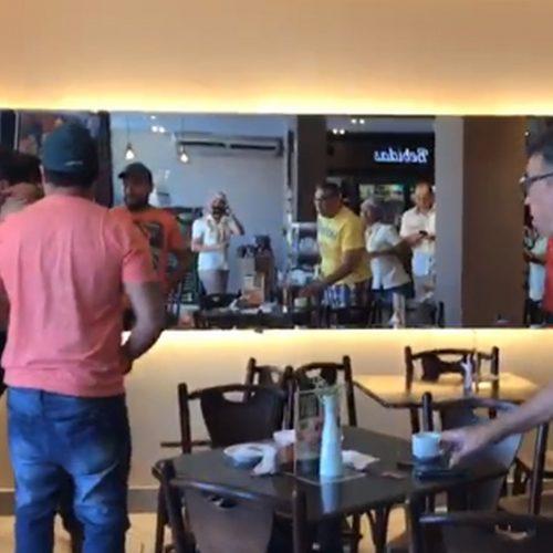 'Tio do café' vira meme ao manter a calma durante briga em padaria: 'sempre fui assim'