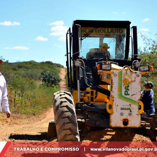 Prefeitura recupera 100 Km de estradas vicinais na zona rural de Vila Nova do Piauí; prefeito visita ação