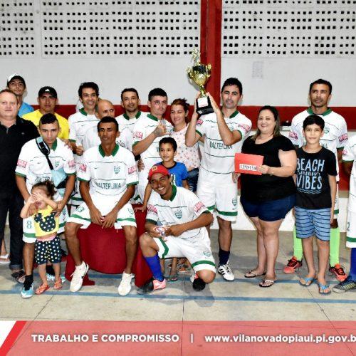 VILA NOVA   Final do campeonato de futsal amador é marcada por vitória do time Veteranos; fotos
