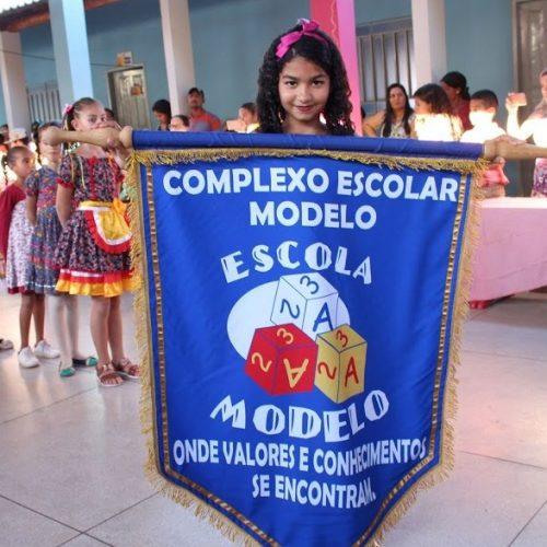 SIMÕES | Complexo Escolar Modelo abre temporada de festas juninas com tema da copa do mundo