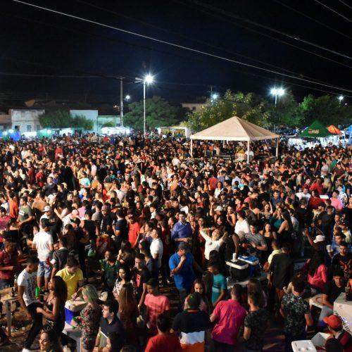FRONTEIRAS 83 ANOS | Multidão prestigia shows da 1ª noite de festividades