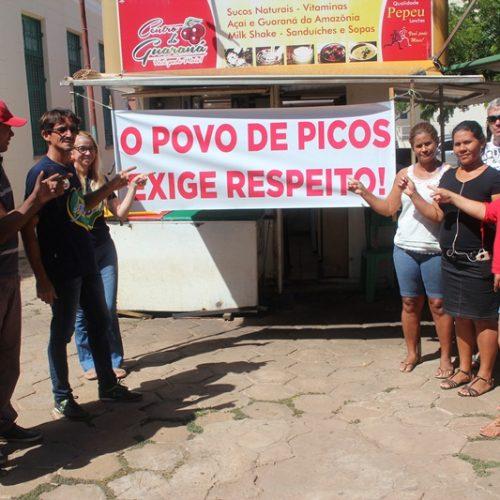 """""""Não vamos fazer o jogo da prefeitura"""", afirmam ambulantes de Picos"""
