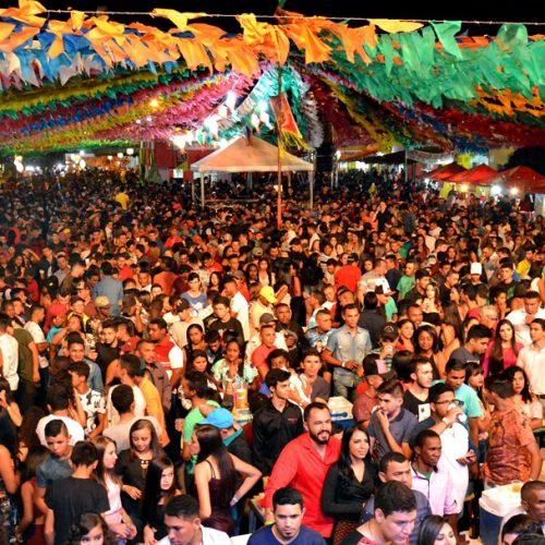 Confira fotos dos shows de forró no 2º dia do 'Arraiá da Boa Esperança' em Padre Marcos