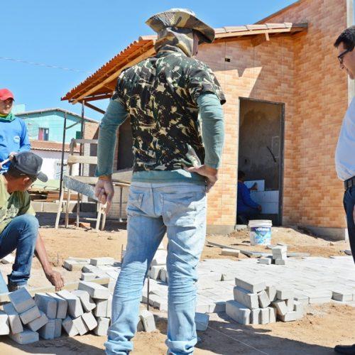 Prefeito Vianney visita quatro obras de infraestrutura urbana em Caldeirão Grande do Piauí