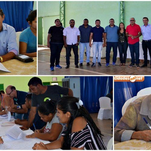 Em Geminiano, 35 famílias assinam contrato para construção de casas populares