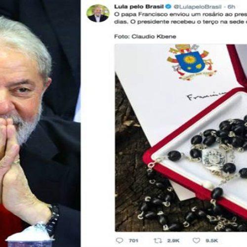 Vaticano desmente PT e diz que papa Francisco não enviou terço a Lula