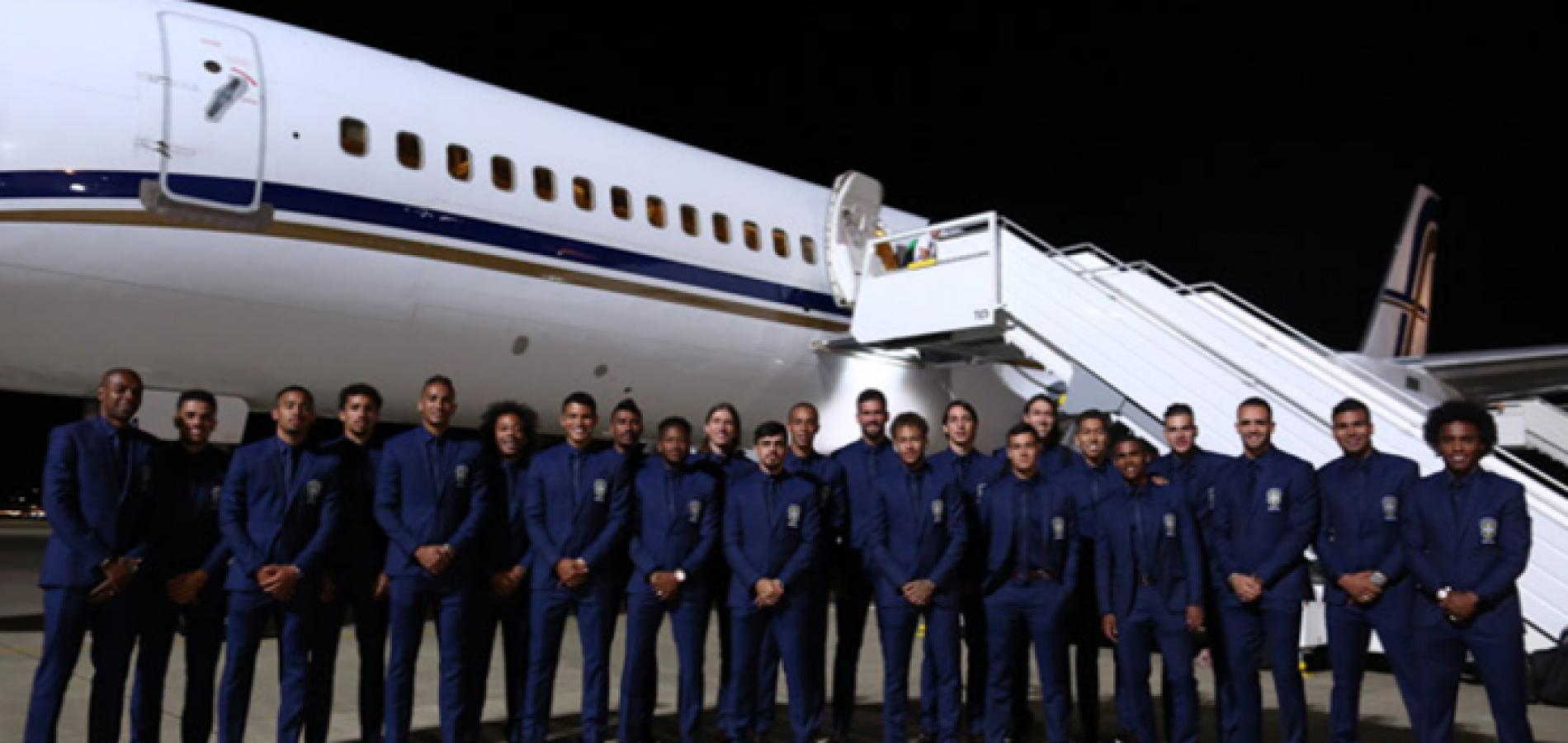 Seleção brasileira chega a Sochi para disputar a Copa do Mundo