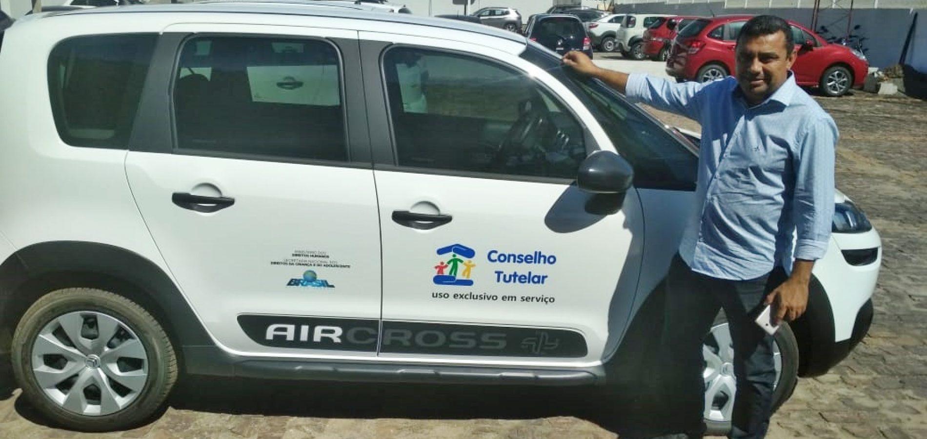 JAICÓS | Prefeito vai entregar carro e equipamentos para o Conselho Tutelar