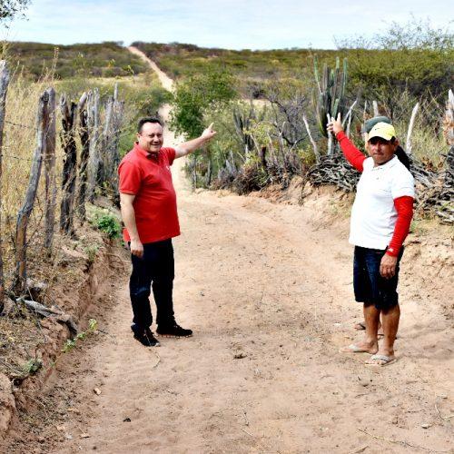 Prefeitura de Vila Nova do Piauí recupera antiga estrada vicinal na localidade Bom Jardim