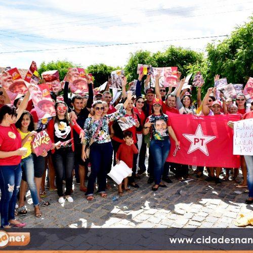 Vila-novenses recebem Caravana Lula Livre na Cidade Poesia; veja fotos