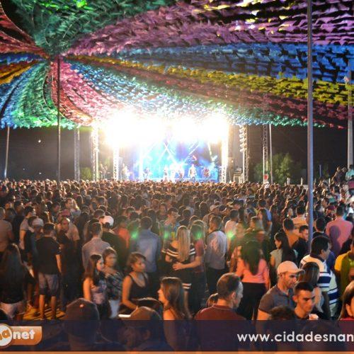 Shows com Mastruz, Lamarck e Cristiano atraem multidão ao povoado Caboclo, em Belém do PI
