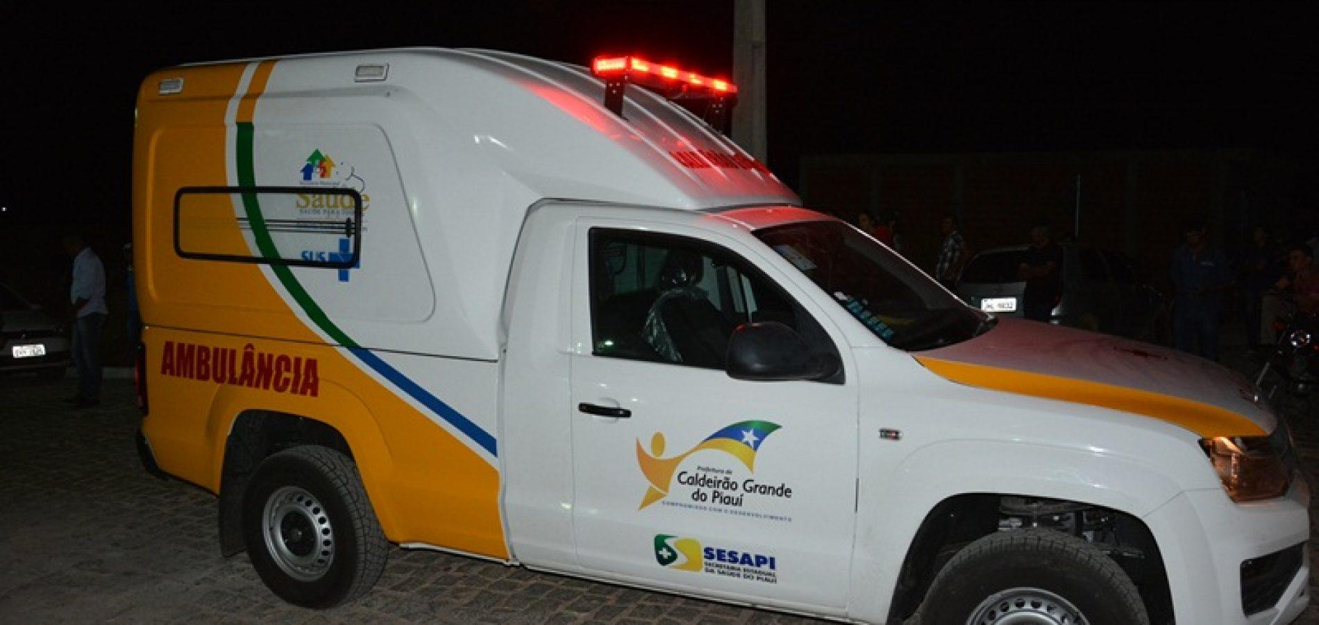 CALDEIRÃO   Prefeito Vianney inaugura UBS, praça, estradas e entrega ambulância