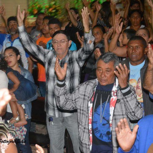 Prefeito Chico Pitu participa de missa nos festejos de São Cristóvão em Marcolândia