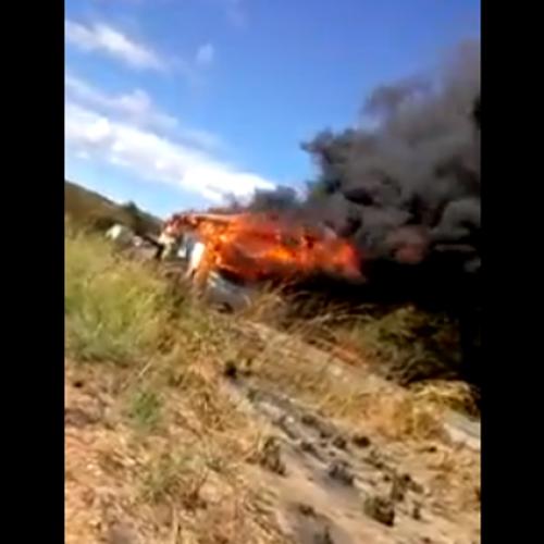 Ônibus com destino ao PI pega fogo após curto-circuito; Assista ao vídeo