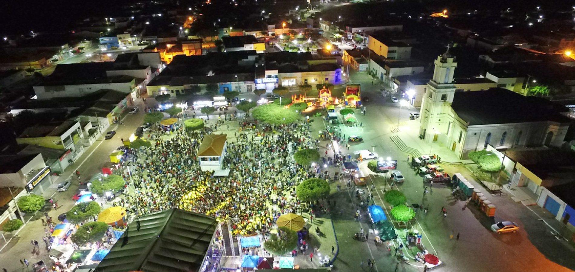 7e77d33c9665 Simões comemora 64 anos de história e festas atraem multidão à cidade dos  ventos