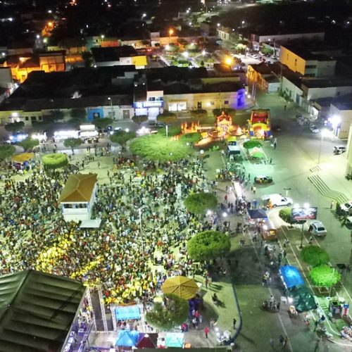 Simões comemora 64 anos de história e festas atraem multidão à cidade dos ventos