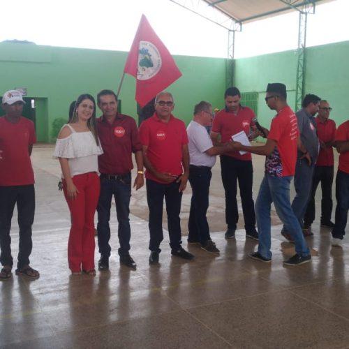 """Caravana """"Lula Livre"""" é recebida por lideranças políticas em Geminiano"""