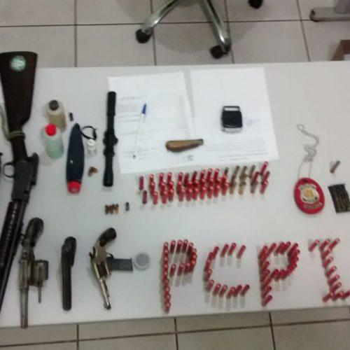 Acusado de agredir namorada é preso com armas e munições no Piauí