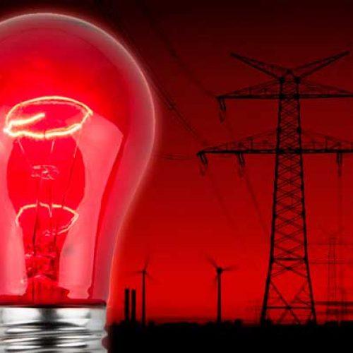 Bandeira tarifária de energia continua no patamar vermelho em setembro