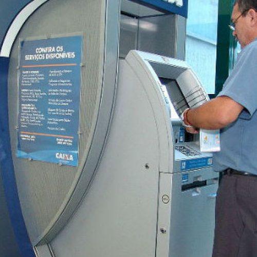 Servidores estão com nome sujo porque governo não repassa descontos de empréstimos