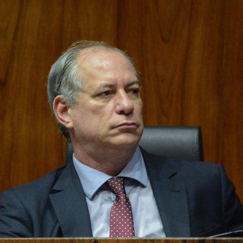 Ciro reafirma que quer ajudar a 'limpar o nome' dos brasileiros